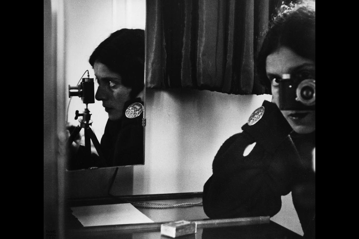 Self-portrait in mirrors – Ilse Bing, 1931
